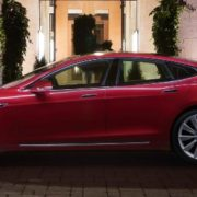 Tesla, la Model S 100D disponibile in Italia